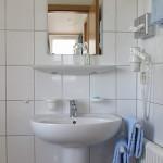 pension röhrenbach immenstaad, appartement badezimmer